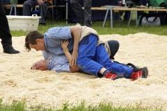 Oliver Bachmann gewinn am Boden gegen Joshua Sorg